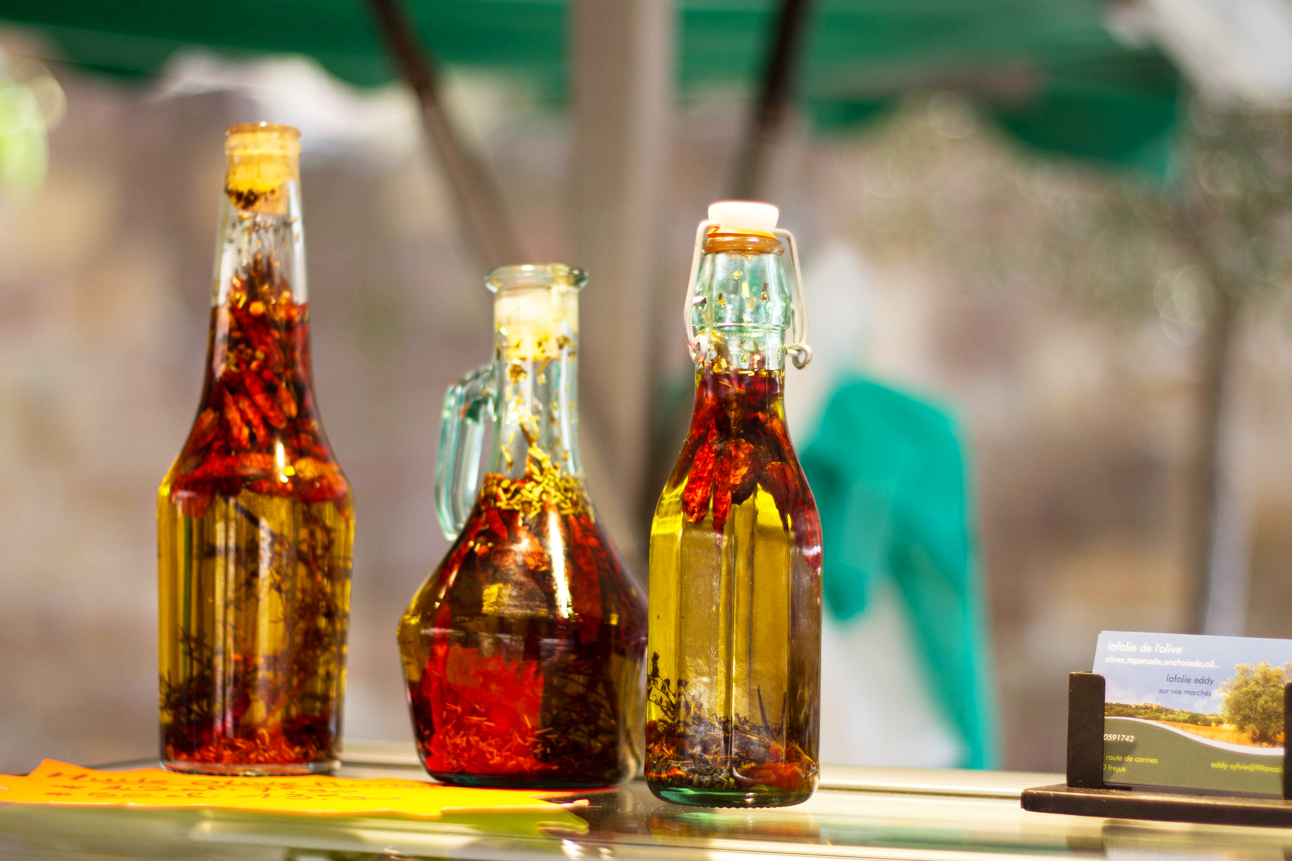 Marchés provençaux Fréjus huile d'olives